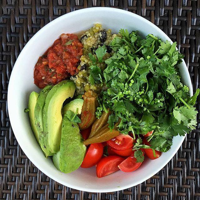 Split peas, black beans, quinoa, cilantro, tomato, pickled okra, avocado, salsa #vegan #organic #plantbased