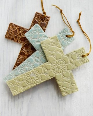 Coral Small Cross Ornament [LP008] - $24.00 : Maggie Weldon, Lace Pottery Ornamental Bowls