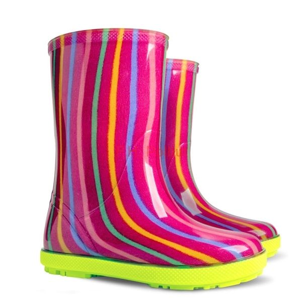 #Colorful #wellies for #kids #created #with #PVC. Super #soft with #anti-slip sole!. #Great for #walking in #rainy days!