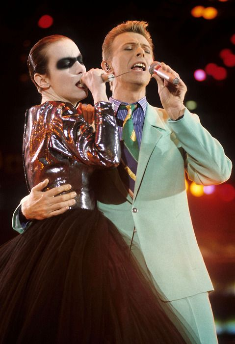 "Annie Lennox and David Bowie perform ""Under Pressure"" at the Freddie Mercury Tribute Concert. Such a jaw dropping performance!"