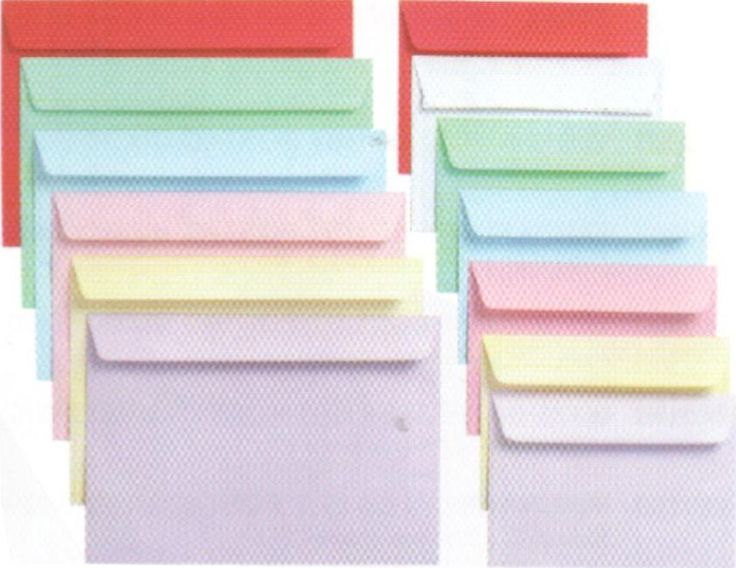Kirjekuoria meillä aina kuluu. Miehellekkin voisi näitä ostaa kirjeenvaihtoon.