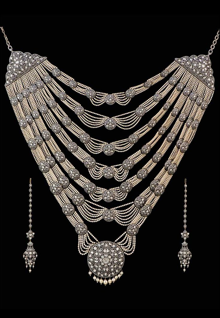 Wedding suite: necklace and earrings | Munnu Kasliwal, The Gem Palace, Jaipur, 2004.  Gold, silver, diamonds, pearls