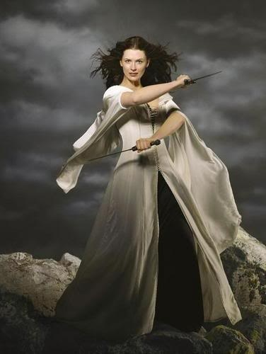 Kahlan Amnell, Mother Confessor. That dress is so kickass.