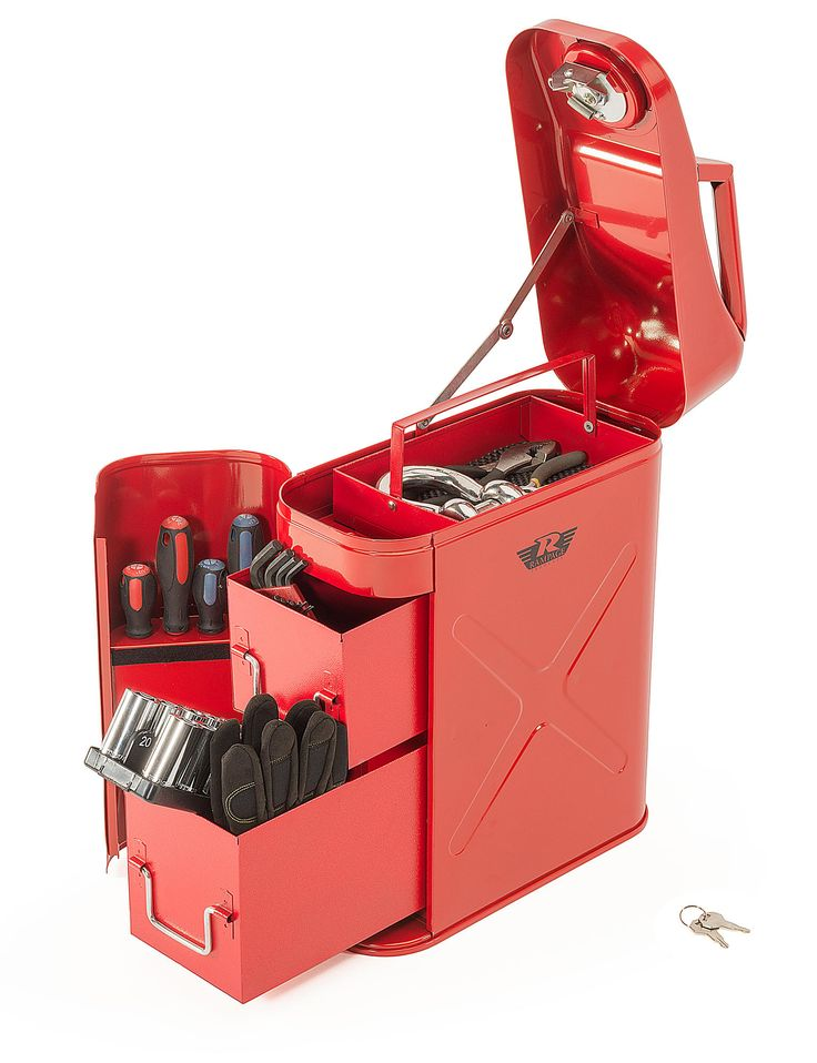 The New Rampage Products Trail Can Utility Tool Box is every off roaders dream. Its locking lid along with heavy duty 14 gauge steel construction and powder coated finish make it a perfect and reliable place to store your tools.