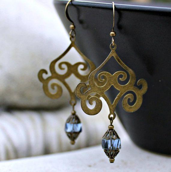 Accesorios De Baño Zafiro:Pendientes de araña Bohemia – zafiro azul, latón antiguo, ruta de la