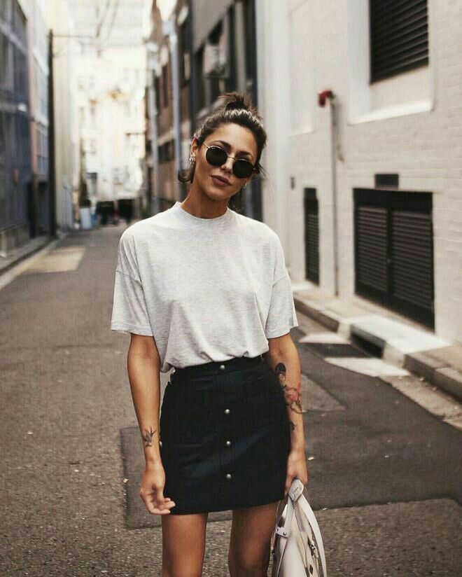 Denim high waist skirt, front buttons, boyfriend tee, top knot