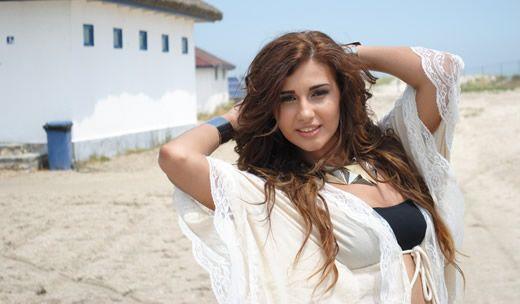 Alina a filmat videoclip pentru piesa Tu esti vara mea + POZE     http://www.emonden.co/alina-a-filmat-videoclip-pentru-piesa-tu-esti-vara-mea
