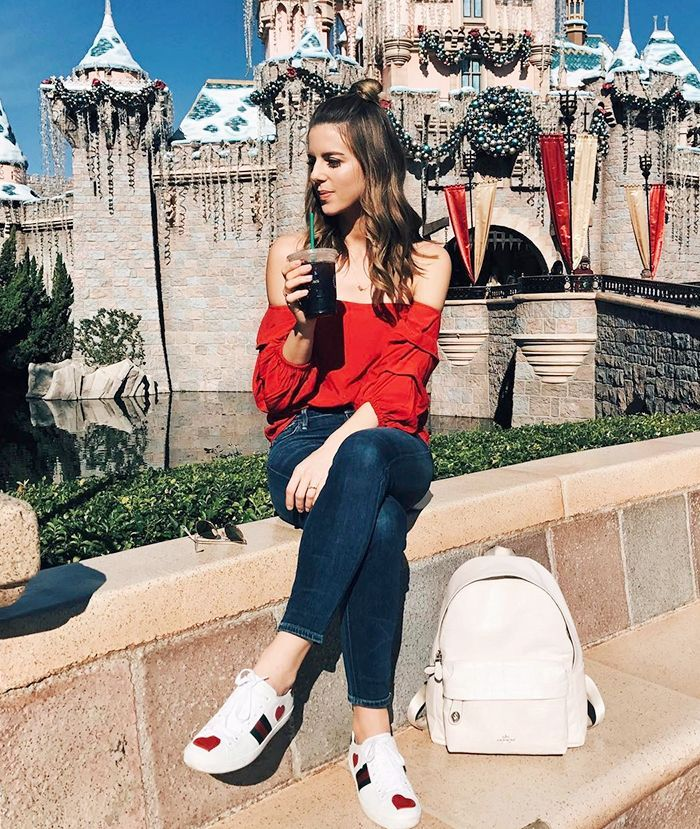4 Stylish Outfits Fashion Girls Wear To Disneyland