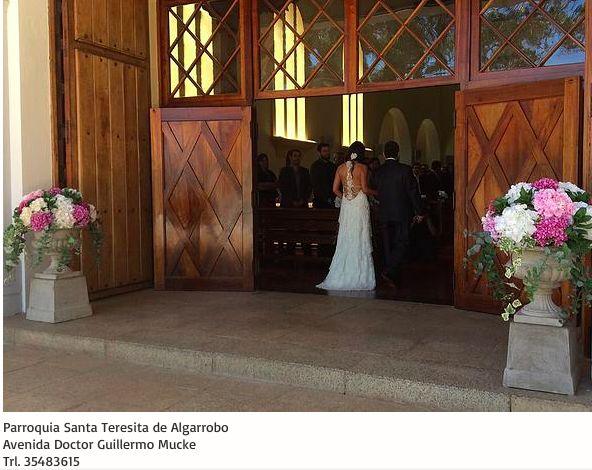 Parroquia Santa Teresita de Algarrobo  Avda. Doctor Guillermo Mucke  Algarrobo Tel. 35483615