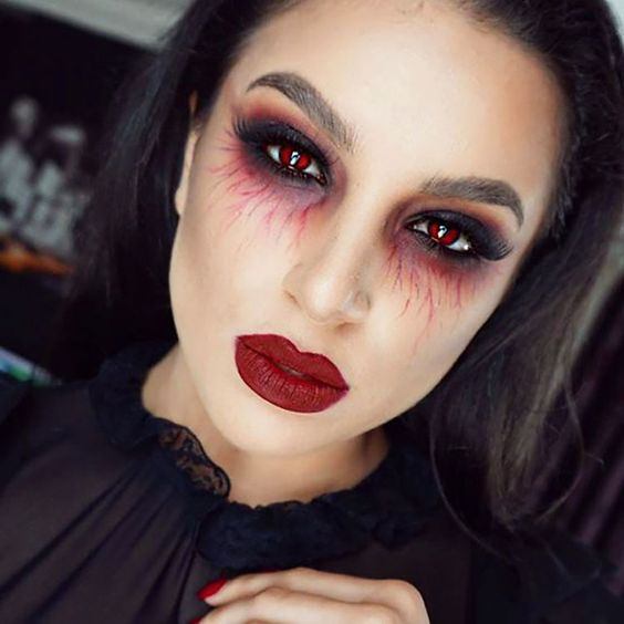 Expert Tips For How To Do Makeup That Looks Fresh Flawless And Perfectly Natural In Other Halloween Makeup Easy Creepy Halloween Makeup Cute Halloween Makeup