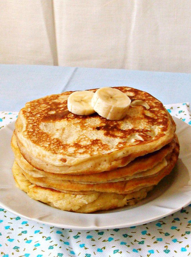 Banana yogurt pancakes