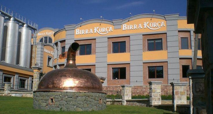 Lo stabilimento della BIrra Korça, nella omonima città in Albania