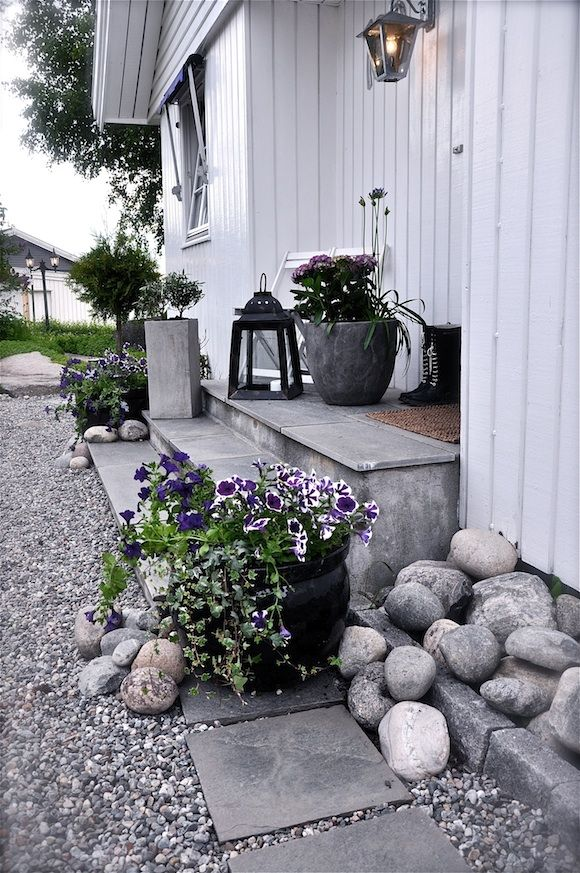 Front steps of Norwegian home.
