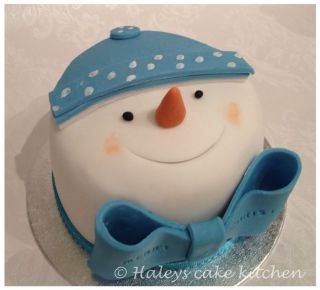 "Little 4"" christmas cakes - Cake by haley - CakesDecor"