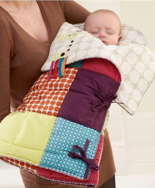 Muito fofo este saco de dormir para bebês em patchwork.