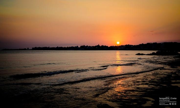 October Dawn in beautifull #Ierapetra.|  Φθινοπωρινή Δύση στην όμορφη Ιεράπετρα.   (CC BY-ND 3.0)
