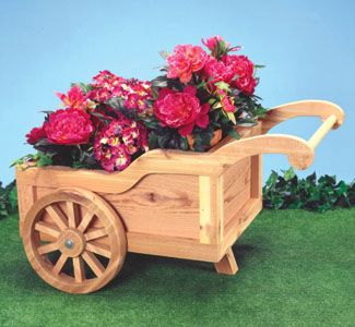 "Peddlers Cart Planter Wood Pattern This old fashioned peddler's cart holds up to six 6"" pots to display your favorite plants. #diy #woodcraftpatterns"