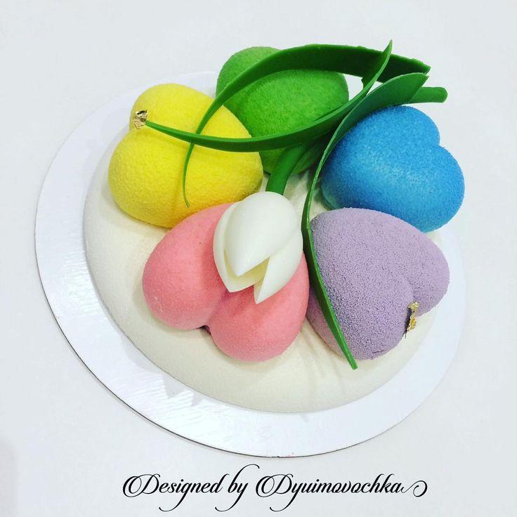 """Polubienia: 81, komentarze: 4 – Современные муссовые торты (@dyuimovochka) na Instagramie: """"Случается, вы меня просите """"такой же"""" тортик, ну прям один-в-один, как на фото🍰🙈 ловите тортик в…"""""""