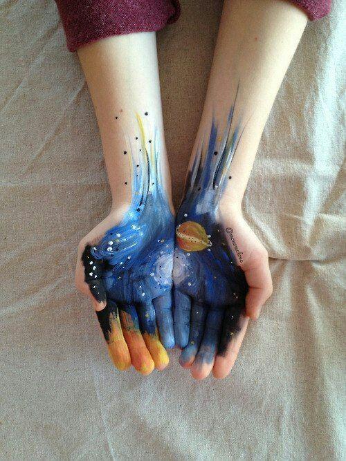 Рисунки на руках красками