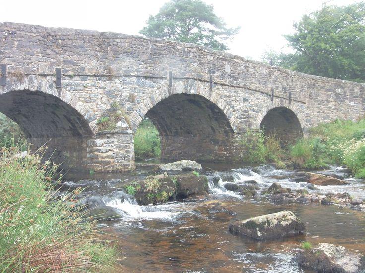 Two Bridges v Dartmooru - ten větší most
