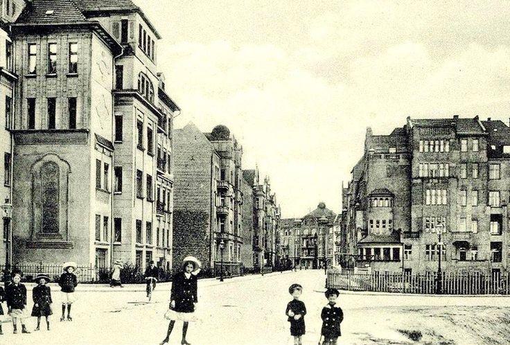 U zbiegu ulic Chełmońskiego i Grottgera - początek XX wieku