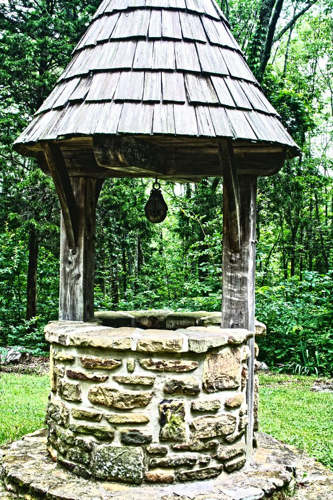 1000 images about wishing wells on pinterest gardens for Garden wishing well designs
