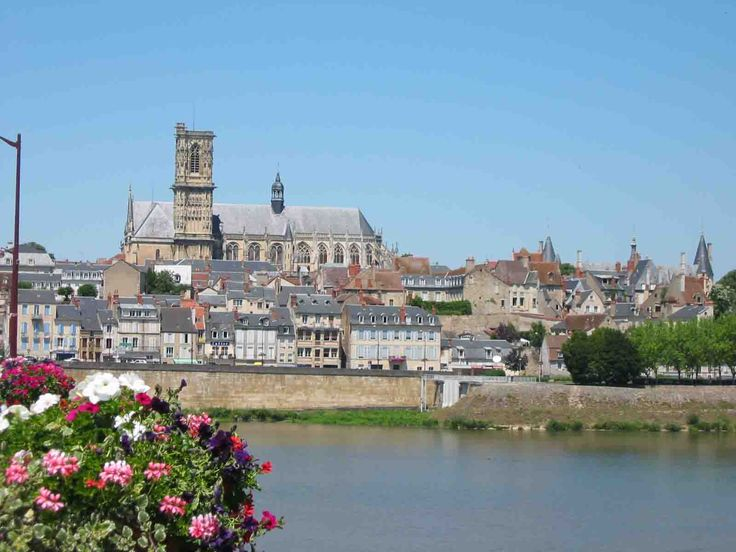 Roanne - Loire dept. - Rhône-Alpes région, France     ...nearwonders.com
