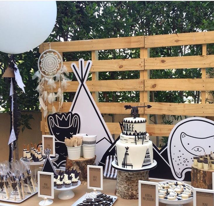 B&W kids party theme
