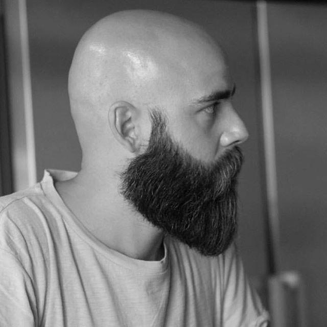глубокого фото лысого мужика с бородой кои