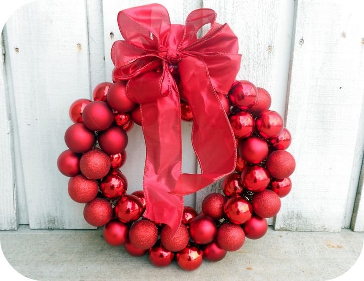 Six Sisters' Stuff: $6 Dollar Wire Hanger Christmas Ornament Wreath and Bow Tutorial