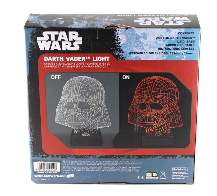 Star Wars Darth Vader lamp. Je krijgt een beetje licht van de donkere kant met deze Darth Vader lamp. Een mooi ontworpen, slanke en stijlvolle lamp gemaakt van ultra-dunne lasergesneden acryl, verlicht met rode LED's voor een verbluffende visuele weergave. De Darth Vader is een eerbetoon aan één van de grootste filmschurken ooit. Sinds de eerste Star Wars hit in de bioscoop in 1977 is Darth Vader uitgegroeid tot een van de meest bekende en erkende slechteriken ooit.