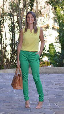cómo combinar los colores de la primavera verde y amarillo
