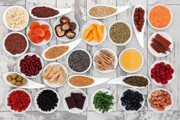Como o número de veganos tem crescido a cada dia, decidi separar alguns alimentos que são ricos em colágeno vegetal.