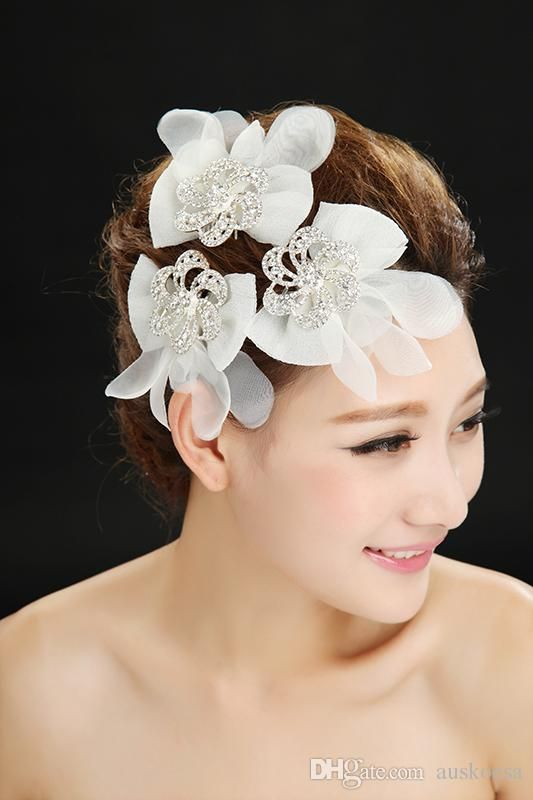 Whole Wedding Crowns 2017 Lovely White Handmade Flower Bridal Accessories Hair Comb Shiny Beading