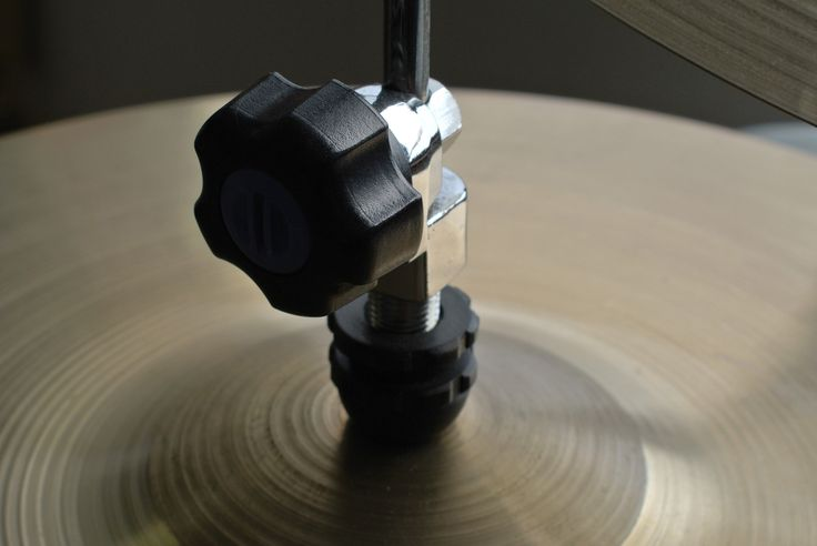 "Clutch on PAISTE 602 14"" Hi-Hat"