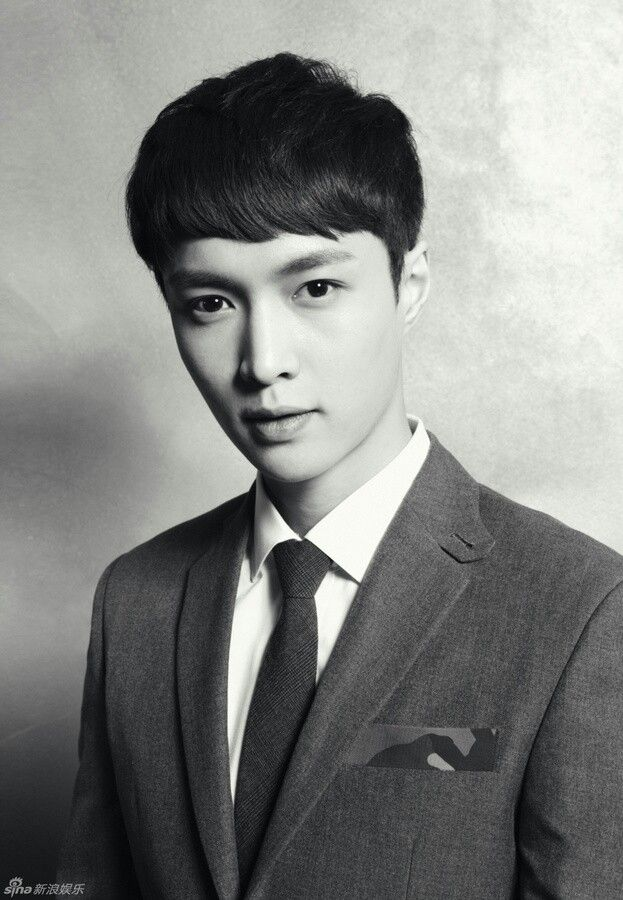 EXO's XOXO album Official Portrait photoshoot Lay