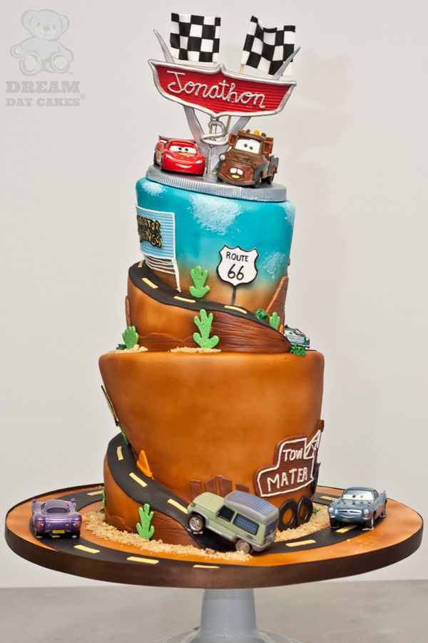 cars Mater and Lightening birthday cake