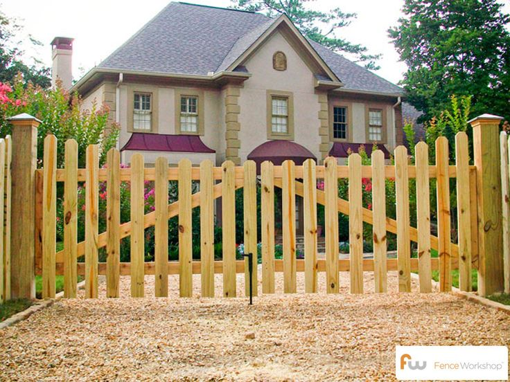 The Finley ™ Scalloped Wood Picket Fence | Pictures & Per Foot Pricing