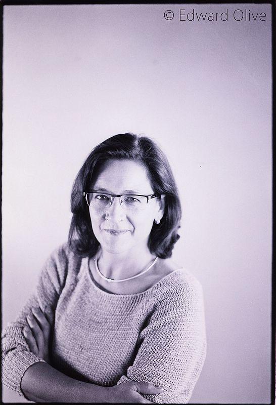 Simple studio portrait © Edward Olive estudio fotografico photographic studio