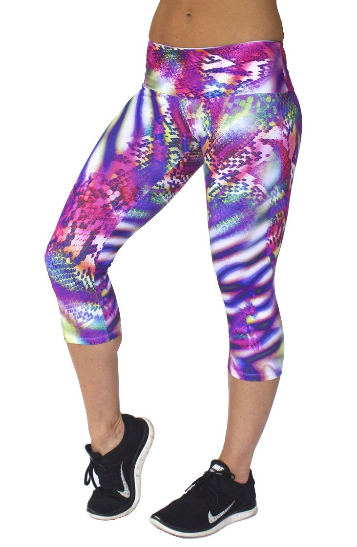 Rola Moca 'SpellBinder' capri tights. Specially designed 10cm wide waistband  with inbuilt elastic so no slipping or adjusting needed | Comfiest tights ever | Perfect for running or any activity | Shop now on www.runfastergear.com.au  #runfastergear #running #activewear