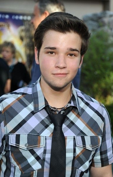 Nathan Kress is a total BABE!!!