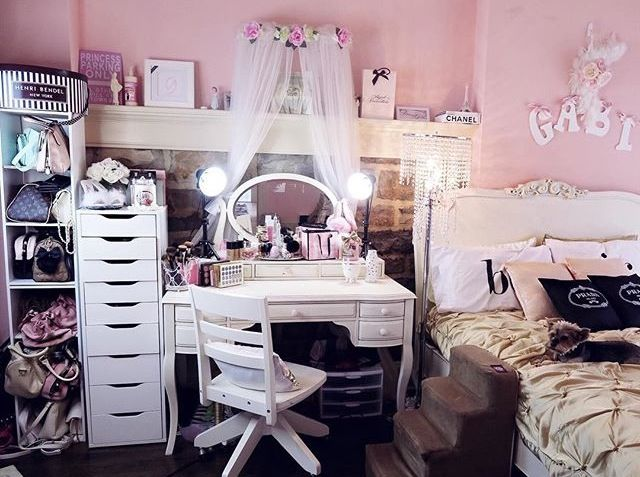 Gabriella Demartino her room :)