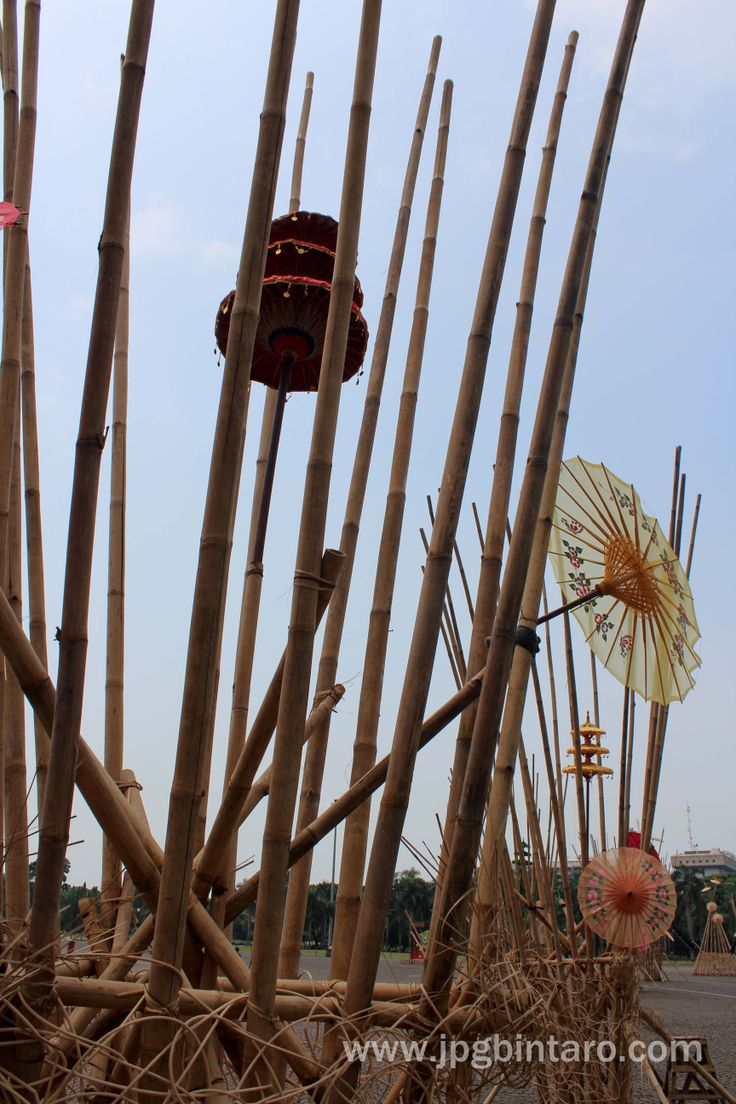 Seni Bambu Instalasi Bambu di Monas 6 Desember 2014