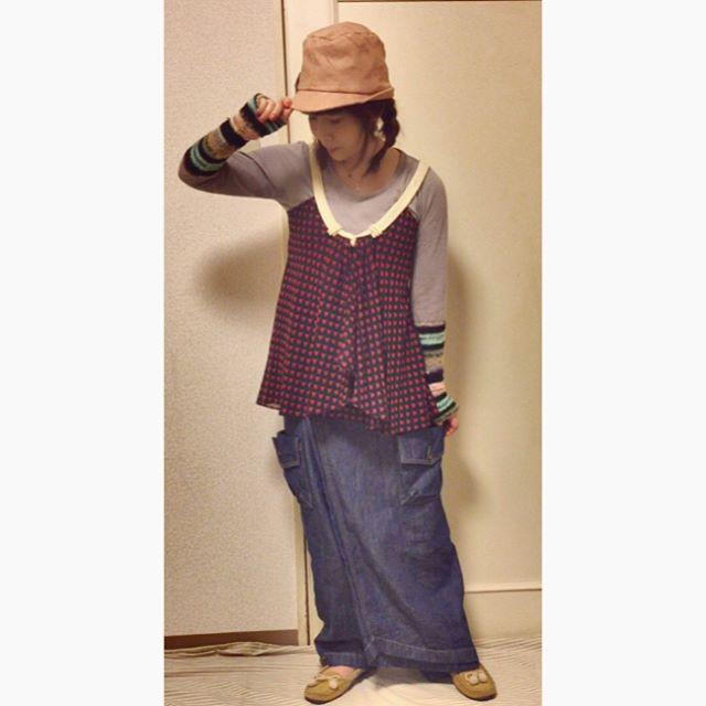 ✰✰✰✰✰☻☻☻☻☻☻ * * デニム地のパンツ。 古着やけど、おもろい形なので 昔に買ったもの。 * * * #coordinate #outfit #ootd💗 #fashion #usedclothing #selfnail #nail #instafashion #cln #コーディネート#ファッションコーデ #お洒落が好き #お洒落を楽しむ #セルフネイル #モカシンシューズ #ca4la