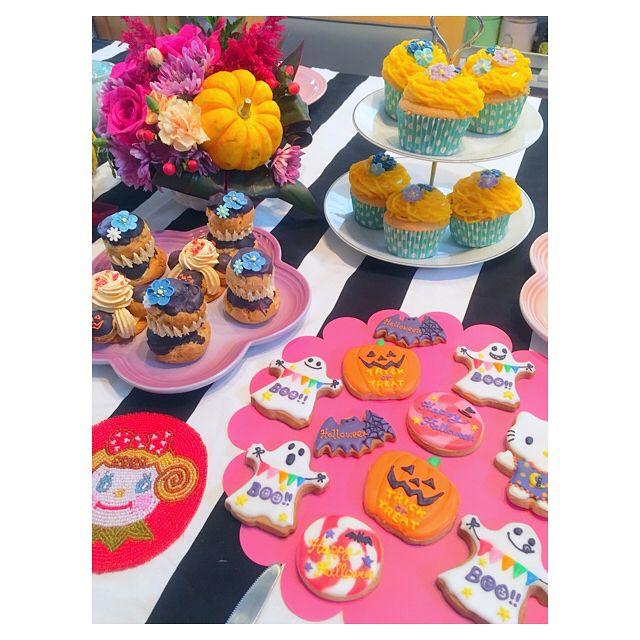 . . パパに食べさせられてる😂💦 . 来年はクッキー食べれるかな?☺️ . . . . . #halloween #party #halloweenparty #icingcookies #icingcookie #icing #cookie #kitty #hellowkitty #ハロウィンパーティー #ハロウィン #パーティー #アイシング #アイシングクッキー #キティー #ハローキティ #スイーツ #おうちおやつ #赤ちゃん #baby #ベビー #女の子 #女の子ベビー #女の子ママ #生後4ヶ月 #ママリ #コドモノ #親バカ部 #親バカ部ig_baby #babygirl