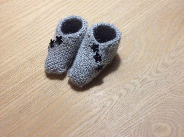 Strikkede baby sko - gratis opskrift
