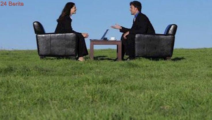 8 Cara Terbaik Deskripsikan Diri Saat Wawancara Kerja