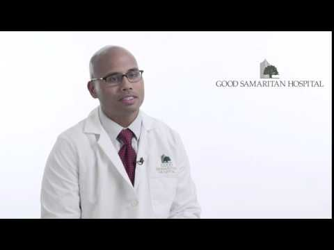 What are the symptoms of lung cancer? - Elwyn Cabebe, MD - Oncology - WATCH VIDEO HERE -> http://bestcancer.solutions/what-are-the-symptoms-of-lung-cancer-elwyn-cabebe-md-oncology    *** signs of lung cancer ***   Cough and shortness of breath are common signs of lung cancer. In this video, oncologist Elwyn Cabebe, MD, of Good Samaritan Hospital describes other lung cancer symptoms. For more information please visit our website at  Video credits to the YouTube channel owner