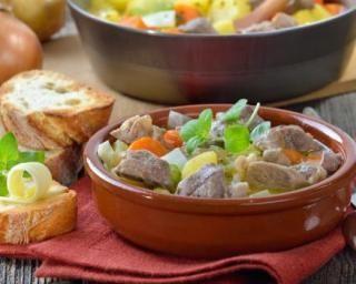 Irish stew (ragoût au mouton irlandais) : http://www.fourchette-et-bikini.fr/recettes/recettes-minceur/irish-stew-ragout-au-mouton-irlandais.html