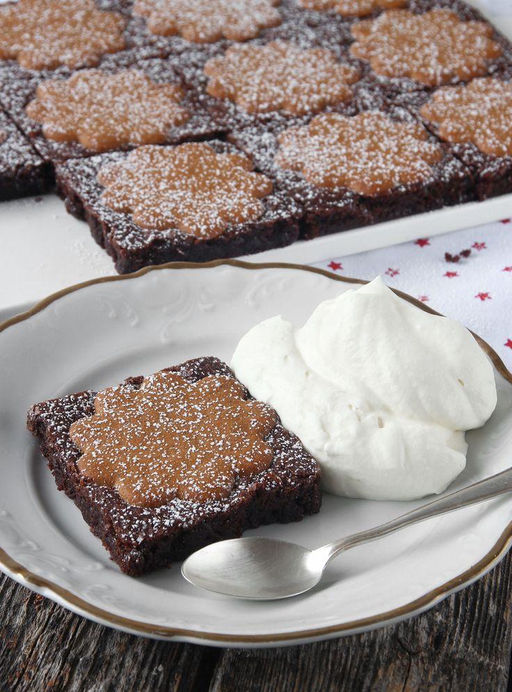 Ljuvligt goda, läckra brownies med knapriga pepparkakor på toppen!